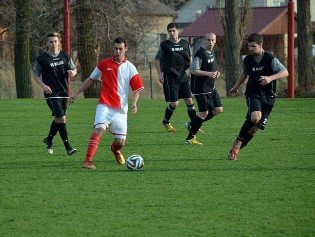 Z utkání krajského přeboru Holice - H. Městec 3:0.