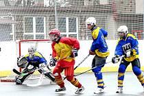 Hokejbaloví starší dorostenci Jokeritu Chrudim zvládli výborně rozhodující duel semifinálové série proti ambicióznímu týmu z Hradce Králové a čeká je finále.