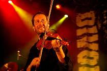 Léto s Rychtářem 2008 zahájil společný koncert kapel Divokej Bill a Čechomor. Vystoupení v hlineckém amfiteátru bylo závěrečnou akcí jejich společného turné