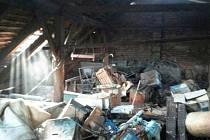 Při požáru domu muž utrpěl popáleniny, škoda je 250 tisíc korun.