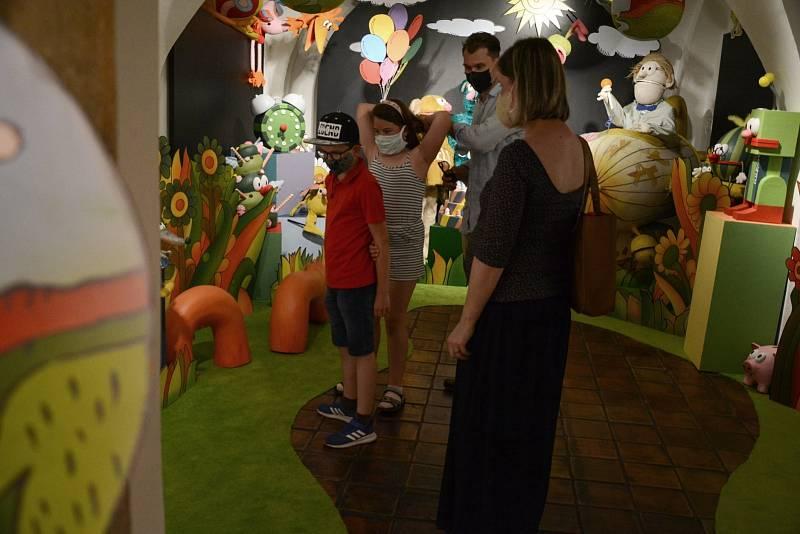 V muzeu můžete vidět výstavu Hele, v muzeu je Jů a Hele.