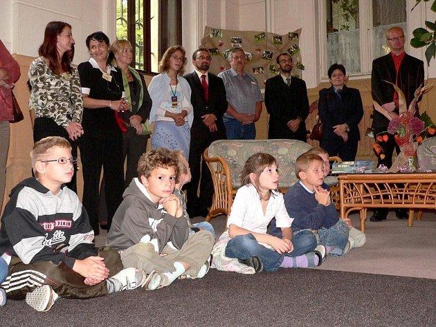 Výchovně léčebné oddělení Dětského domova se školou v Hrochově Týnci, které sídlí v Přestavlkách, slavilo desetileté výročí existence.