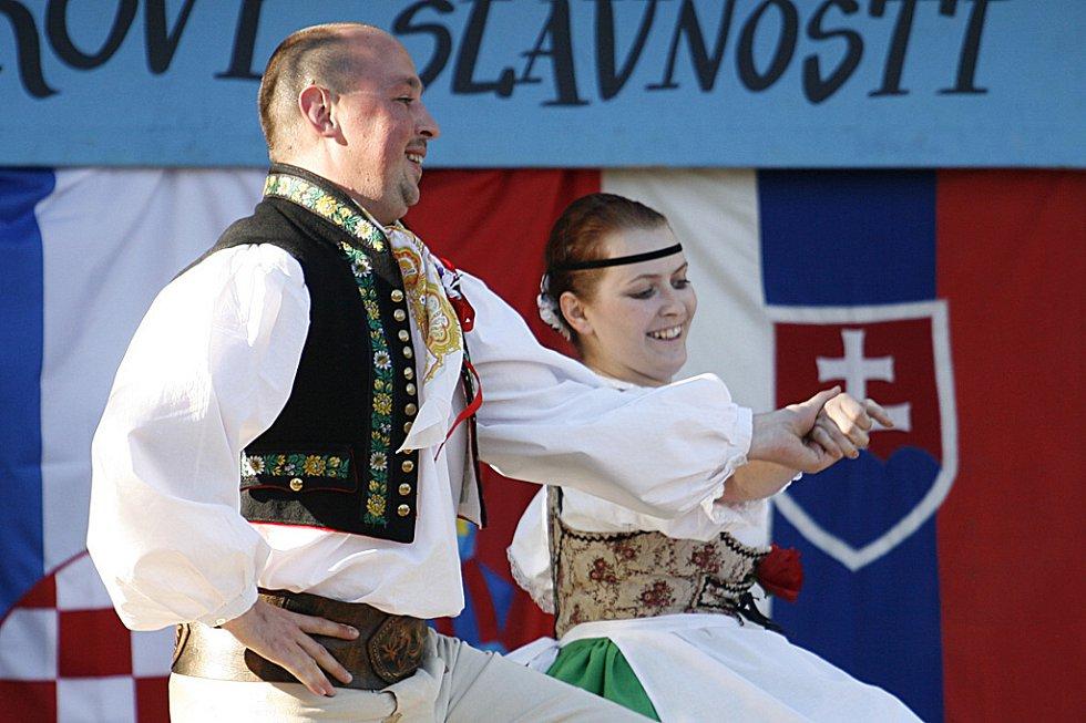 Folklorní přehlídka Adámkovy slavnosti v Hlinsku.