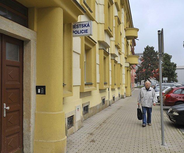 Služebna v chrudimské Revoluční ulici ožívá především v noci.