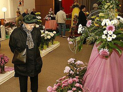 Výstava chryzantém v hlineckém Komorním divadle.
