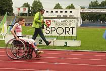Žáci speciálních škol změřili své síly v šesti disciplínách a štafetě bez rozdílu handicapu při prvním školním atletickém parapoháru v Pardubickém kraji