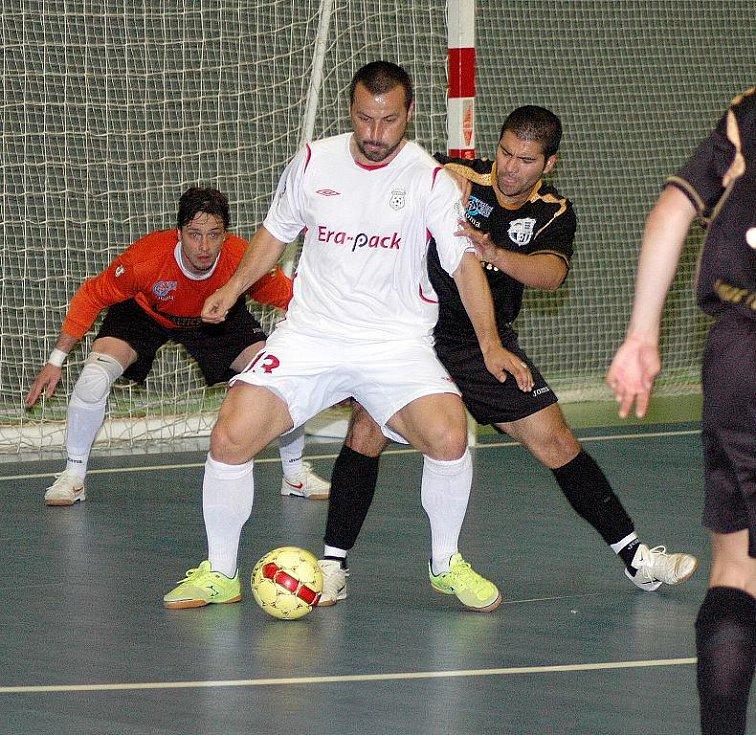Ze čtvrtého finále play off I. futsalové ligy mezi Balticflorou Teplice a Era-Packem Chrudim 4:3.