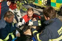 Motorkář byl při nehodě u Vejvanovic vážně zraněn.