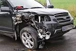 Střet autobusu s osobním vozidlem Hyundai se naštěstí obešel bez zranění.