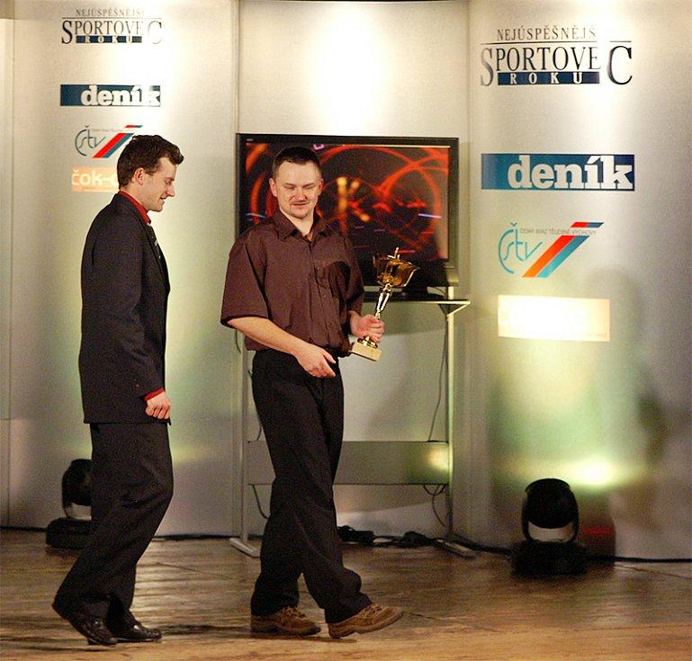 Bratři Michal a Tomáš Tichých ze Slatiňan si převzali druhou cenu v kategorii kolektivů dospělých.