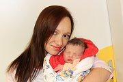 Nela Mihulková (3,17 kg a 50 cm) se stala 15. 11. v 18:54 prvním štěstím Markéty a Ondřeje z Chrudimi.