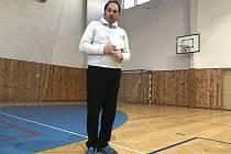 Předseda Okresního fotbalového svazu Chrudim Aleš Meloun při proslovu před volbou.