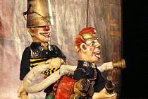 Posledním představením pátečního odpoledne na 57. Loutkářské Chrudimi byl Dřevěný cirkus manželů Pavly Srncové a Luise Montoto.