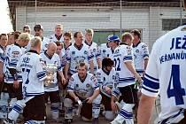 Hokejbaloví Ježci ve finále play off porazili pražské Ďábly a radují se z prvního místa.
