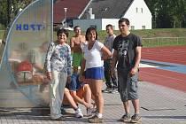Atleti AFK slavili v sobotu devadesát let organizované královny sportu v Chrudimi.