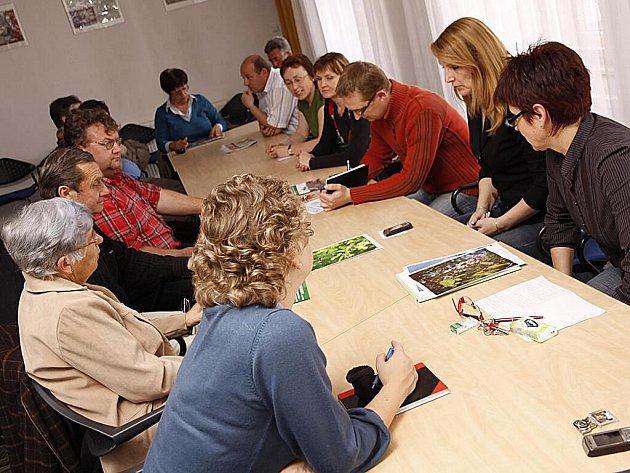 Město Hlinsko připravilo kulatý stůl s občany města, kde se mluvilo o aktuálně připravovaných projektech.