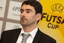 Trenér futsalistů Era-Packu Chrudim Daniel.
