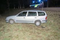 Namol opilá řidička neudržela auto na silnici.