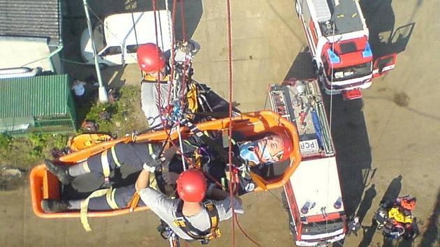 Výcvik chrudimských záchranářů.