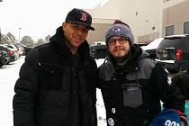 Na své cestě Michal Zdražil potkal i legendu NHL – Jaroma Iginlu.