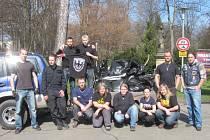 Členové chrudimského motorkářského klubu Motocommando Chrudim s přáteli vyrazili poněkolikáté uklízet do chrudimských parků.