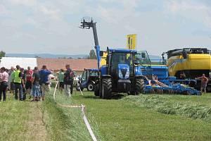 Výstava Naše pole v Nabočanech.