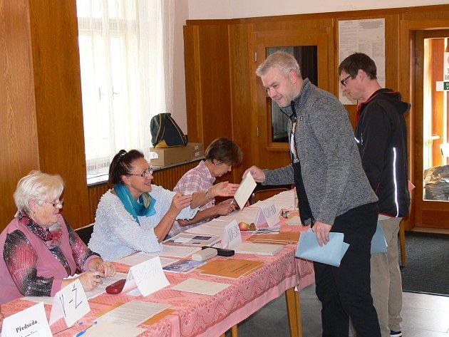 Volby v chrudimském okrsku č. 9