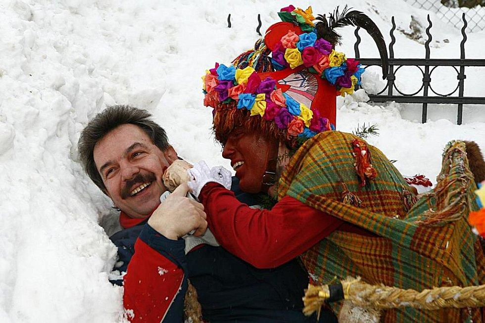 Masopustní průvod ve Vítanově v únoru 2010.