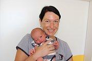 FILIP KREUSEL. Veronika a Tomáš Kreuselovi z Chrudimi se 31.7. ve 12:41 stali poprvé rodiči. Jejich Filípek vážil 3,28 kg a měřil 51 cm.