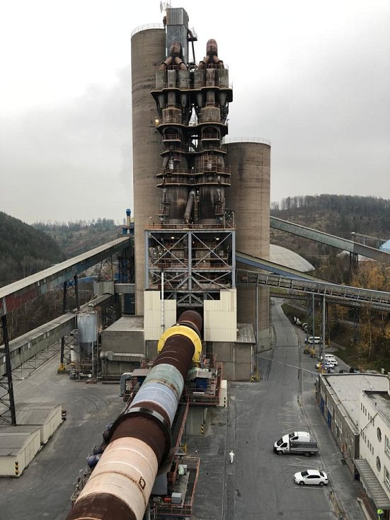 Cementárna v Prachovicích