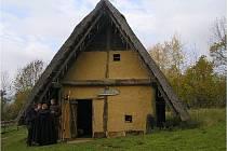 Rozsáhlý komplex nemá v České republice obdoby, všechny budovy jsou replikami vytvořenými na základě skutečných výzkumů.