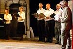 Představení divadla Studio Láďa Ladislava Smoljaka Hymna aneb Urfidlovačka  v Divadle Karla Pippicha v Chrudimi.