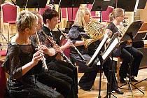 Chrudimský hudební večer s pořadovým číslem 754 přinesl koncert Pražského kytarového kvarteta.