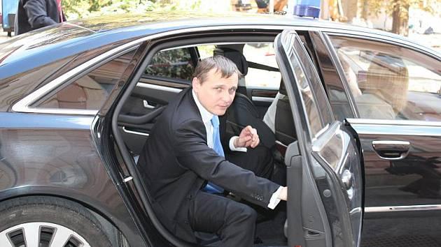 Ministra Vít Bárta během své návštěvy východu Čech zavítal i do Chrudimi.