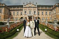 Novomanželé Sokolovi z Hlinska měli svatbu  8.8.2008 netradičně v Kapli na zámku v Nových Hradech