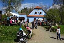 Vmuzeu vpřírodě na Veselém Kopci u Hlinska se o víkendu uskutečnil další program letošní 45. návštěvnické sezóny – Hrnčířská sobota