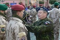 Slavnostní nástup 6. strážní roty na Resselově náměstí