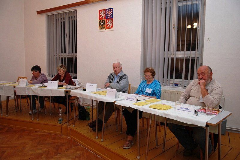 Volby do II. kola senátních voleb v Ronově nad Doubravou.