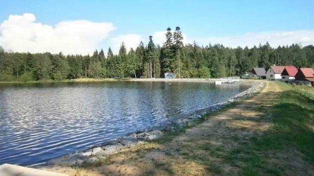 Zrekonstruovaný Lovětínský rybník zadrží i stoletou vodu