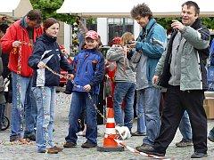 Při oslavách Dne Země byl překonán i národní rekord. Školáčci ze dvou chrudimských mateřinek vytvořili  řetěz z kroužků od PET lahví, který měřil 2904 metry a překonal původní rekord o dva a půl kilometru