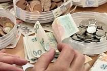 Za tři měsíce mohou lidé začít nový život s čistým stolem. Ovšem musí mít peníze na jistinu a exekuční poplatek.