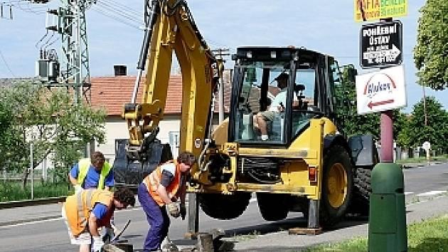 Ilustračni foto: Investice směřovaly i do opravy komunikací, letos tomu nebude jinak.