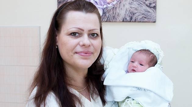 Eliška Emma Štěpánková (48 cm a 3,2 kg) rozšířila 28. 2. v 8:12 rodinu Josefa a Heleny Štěpánkových z Chrudimi a jejich Anežky Anny (2 roky).