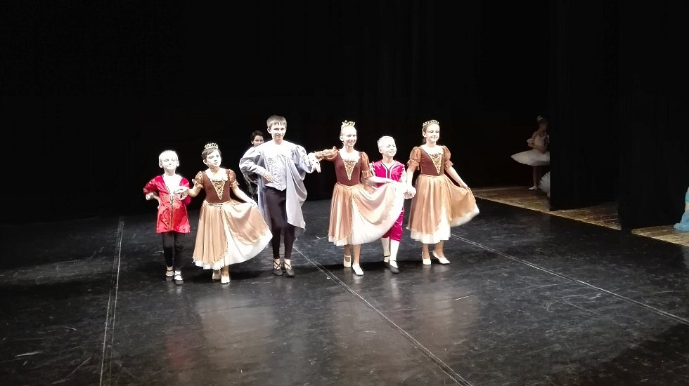 Baletní představení chrudimské ZUŠ Malá mořská víla