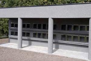 V třemošnickém kolumbáriu je třicet schránek.