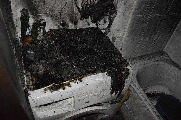 Požár bojleru v koupelně ve Skutči.