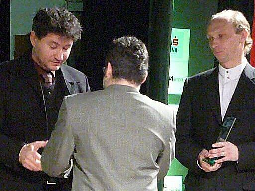 Nejúspěšnějším kolektivem dospělých byl podle odborné poroty futsalový celek Era-Pack Chrudim. Cenu přebírali trenér Ota Stejskal a kapitán Petr Vladyka.