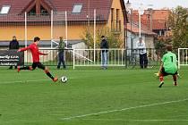 Fotbalisté MFK Chrudim porazili ve východočeském derby Převýšov 2:0.