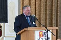 Profesor František Šmahel zahájil konferenci.