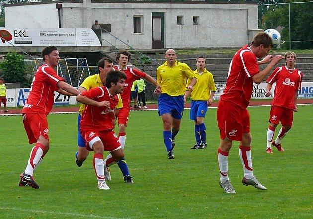 Divizní derby AFK Chrudim - Tesla Pardubice vyhráli domácí 1:0.
